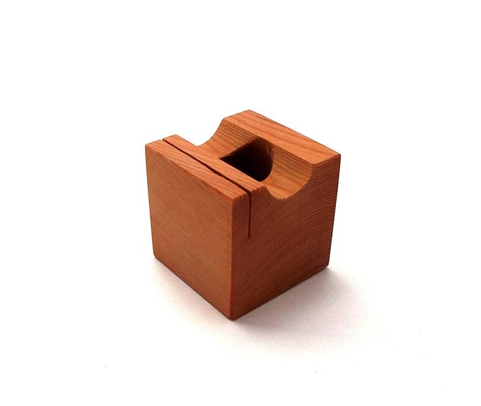 ONE-PEN-STAND イチイ材(1本用木製ペンスタンド)